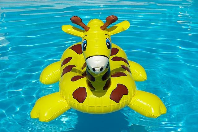 nafukovací žirafa.jpg