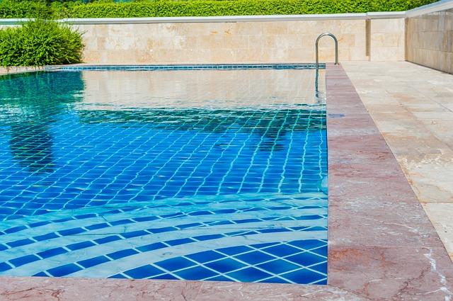 dlažba kolem bazénu.jpg