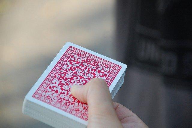 Hraní karet