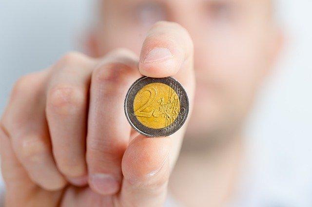 2 eura mince